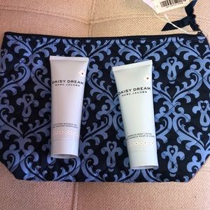 Daisy Dream Shower Gel and Body Lotion NEW in Bag